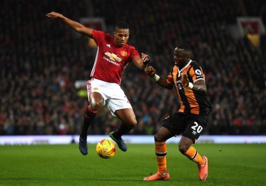 Antonio Valencia renueva su contrato con el Manchester United hasta 2018