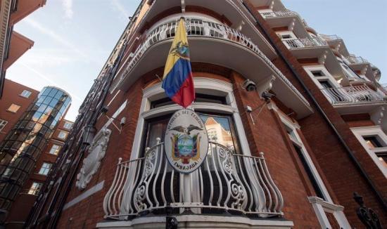 Assange está dispuesto a ir a EEUU si se respetan sus 'derechos'