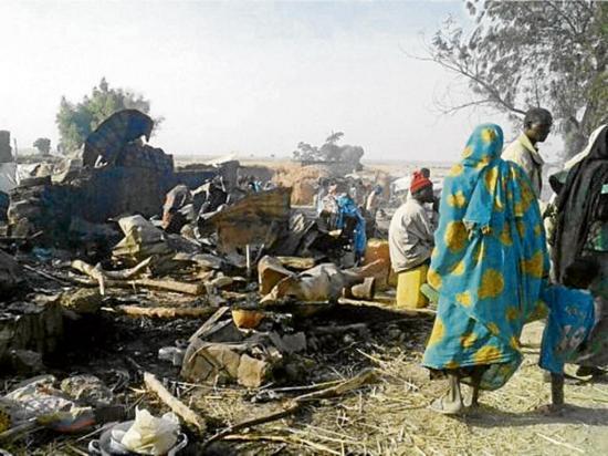 52 muertos por un bombardeo del Ejército