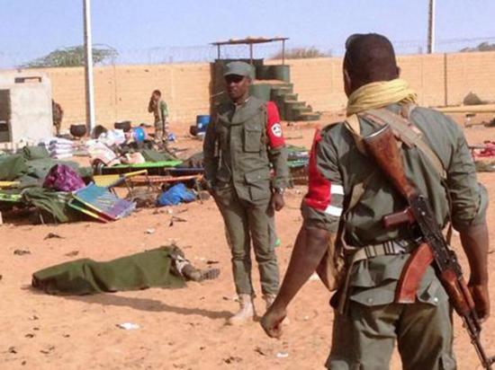Ataque yihadista con un coche bomba deja  47 soldados muertos