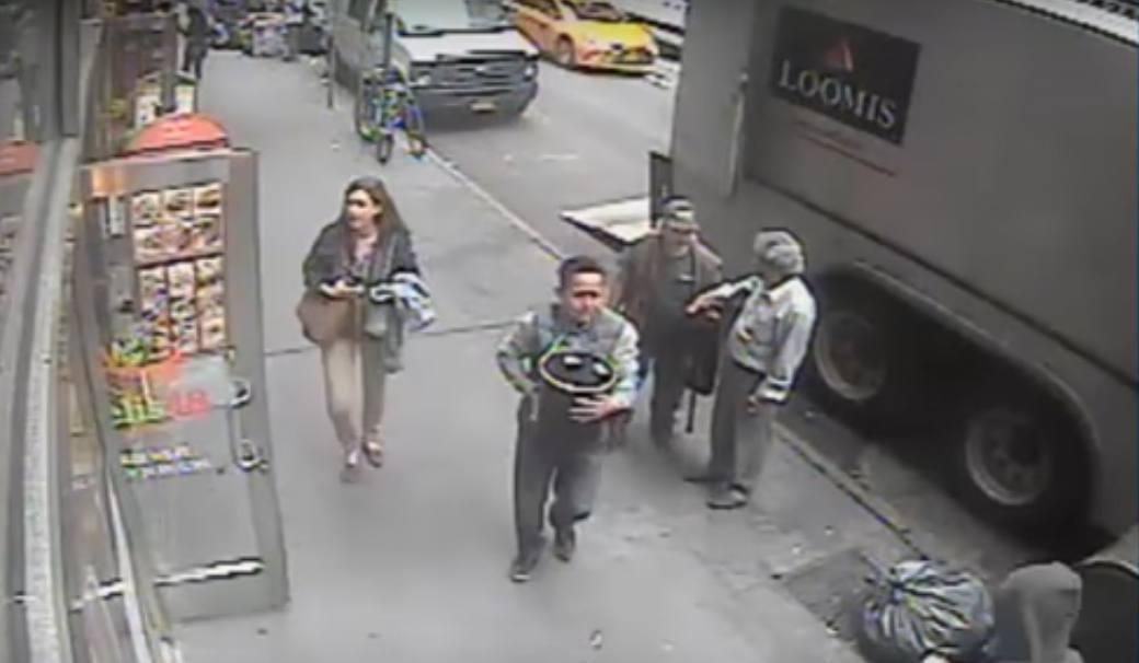 Detienen al ecuatoriano acusado de robar un balde con oro en Manhattan