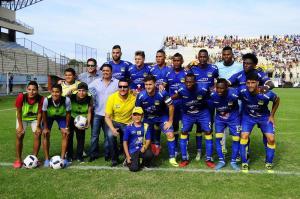 Delfín gana 1-0 en partido amistoso con Fuerza Amarilla en su 'Tarde Cetácea'