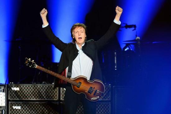 Paul McCartney demanda a Sony para recuperar derechos de autor de The Beatles