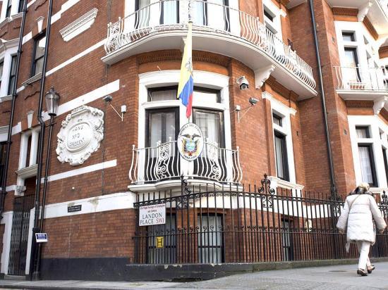 Assange pide a EE.UU. datos de proceso