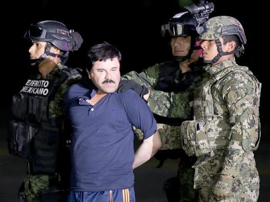 """Llevan a EE. UU. a """"El Chapo"""" Guzmán"""