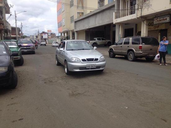 Moradores de la calle Espejo piden atención para embellecer sector