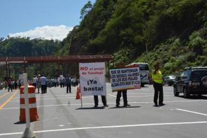 Suspenden peaje en Tandapi