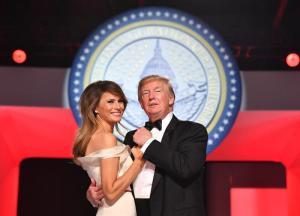 Donald y Melania Trump eligen 'My Way' de Sinatra para su primer baile presidencial