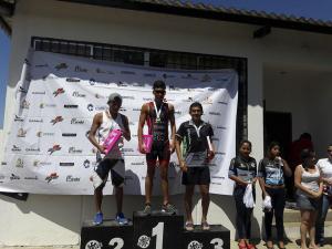 Barrionuevo gana primera triatlón