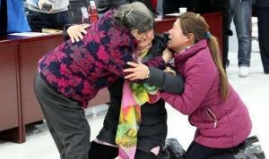 Dos mujeres logran reunirse con su madre tras 28 años de ser secuestradas