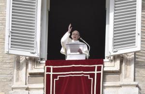 El papa exhorta a los comunicadores a evitar centrarse en las malas noticias