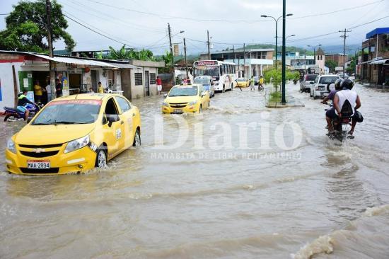 Declaran emergencia en Portoviejo por fuertes lluvias e inundaciones