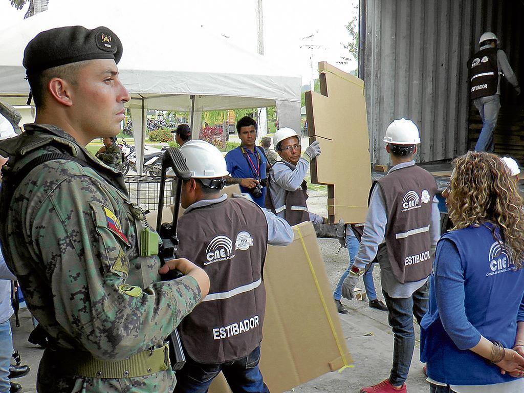 Las ltimas horas de los presidenciables el diario ecuador for Ultimas noticias del espectaculo de hoy