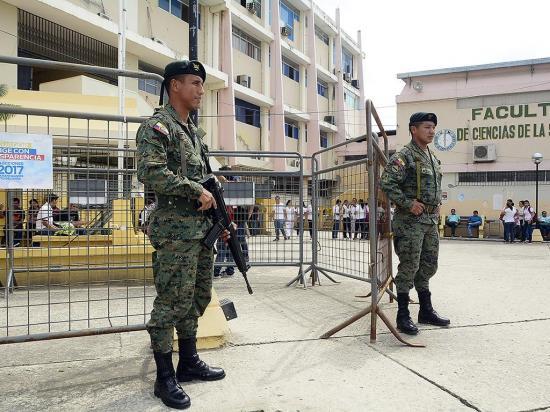 2.429 militares de los tres repartos vigilarán elecciones en Manabí