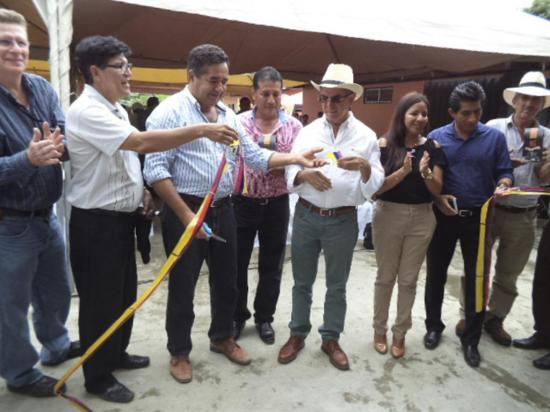 Inauguran centro de acopio para café en Noboa