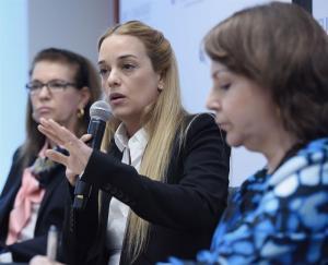 Lilian Tintori asegura que Maduro 'castigó' a Leopoldo López por reunión con Trump