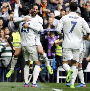 El Real Madrid vence por 2-0 al Espanyol de Felipe Caicedo