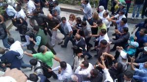 Jorge Glas sufragó en medio de abucheos y gritos de apoyo