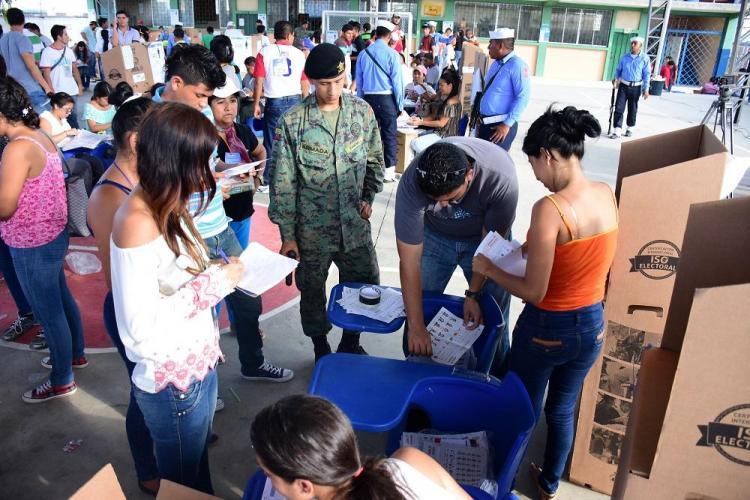 Proceso electoral se cumplió en Manabí