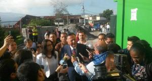 El candidato Patricio Zuquilanda ejerció su voto esta tarde