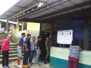 Dos detenidos en Santo Domingo por acudir a sufragar en estado etílico
