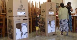 Presidente Correa califica de 'gran noticia' apoyo al 'Sí' en consulta