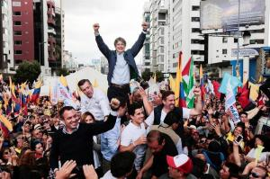 Opositor Lasso dice que su 'lucha' en Ecuador es la de opositores venezolanos