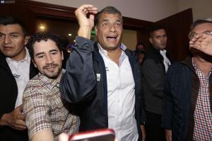 El presidente Correa acepta que habrá segunda vuelta electoral