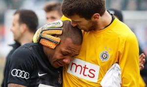 Futbolista brasileño rompe en llanto tras 90 minutos de insultos racistas