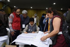 La Unasur insta a mantener confianza en la institucionalidad electoral de Ecuador