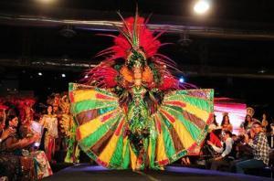 Diseño del manabita Wenceslao Muñoz gana Mejor Traje Típico del Miss Ecuador