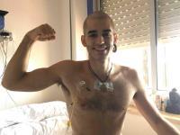 Fallece joven español que hizo de lucha contra la leucemia un fenómeno viral