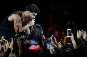 Maluma desata la locura en la penúltima noche de Viña del Mar
