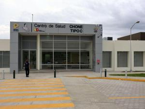 Centro de salud abre con dos servicios