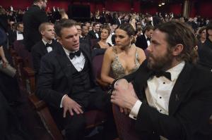 Incredulidad en Hollywood tras fiasco del anuncio del mejor film en los Óscar
