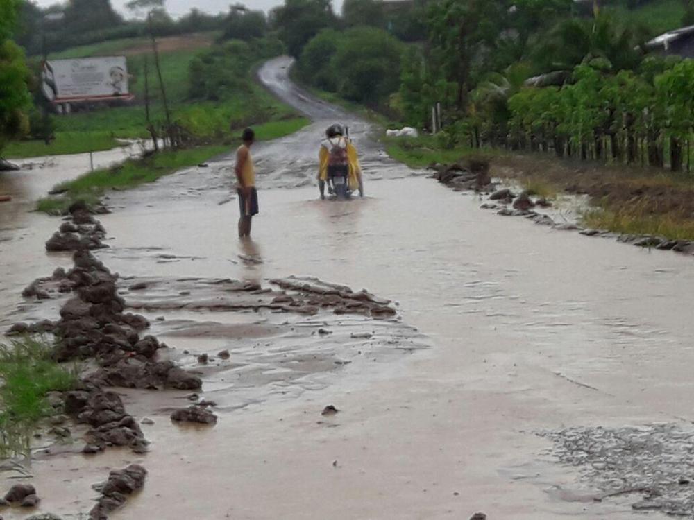 Intensas lluvias dejan familias y zonas afectadas en Manabí