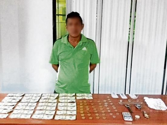 Dos personas detenidas por  sospecha de venta de droga