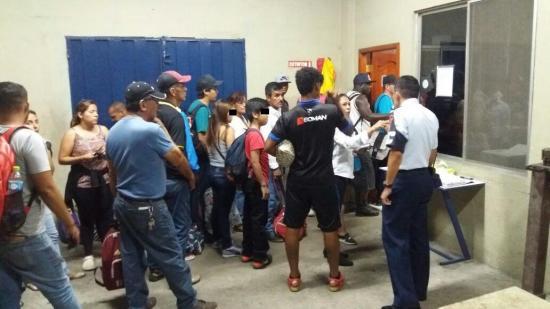 71 ecuatorianos y 12 colombianos afectados por lluvias en Perú arriban a Guayaquil