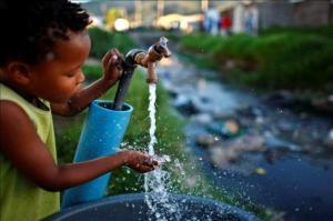 Uno de cada cuatro niños vivirá en zonas con poca agua en 2040, según Unicef