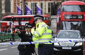 Cuatro muertos y al menos veinte heridos en ataque terrorista en Londres
