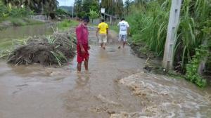 El río causa graves daños en el balneario Las Jaguas