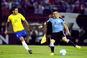 Brasil toca a las puertas de Rusia en noche de Paulinho y Neymar