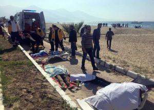 11 muertos y 3 desaparecidos tras el naufragio de un barco de migrantes en Turquía
