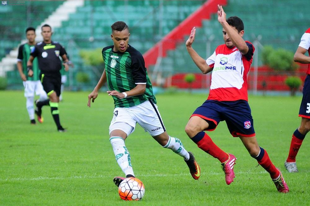 Colón FC y el América empatan sin goles en Portoviejo