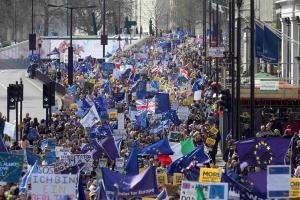 Miles de personas protestan contra el 'brexit' en Londres