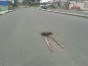 Municipio de El Carmen retiró tapa de alcantarilla