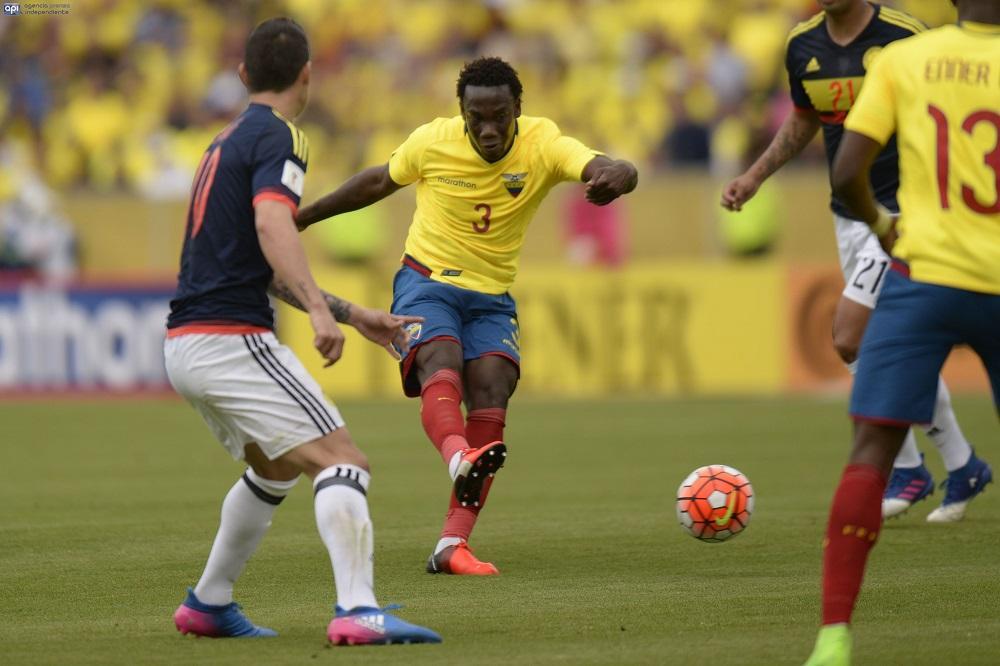 Ecuador cae 2-0 ante Colombia y se le agotan las posibilidades de ir a Rusia