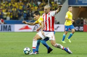 Brasil deja casi sentenciado su pase al Mundial en otra noche de Neymar