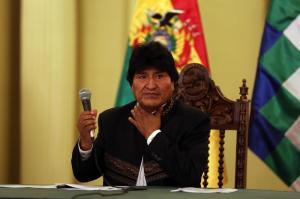 Evo Morales anuncia viaje de urgencia a Cuba para someterse a cirugía