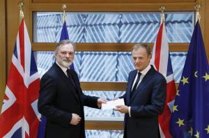 El Reino Unido activa el Brexit para su salida de la Unión Europea